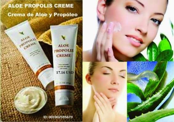 Aloe propolis creme es uno de nuestros productos para el cuidado de la piel más populares.