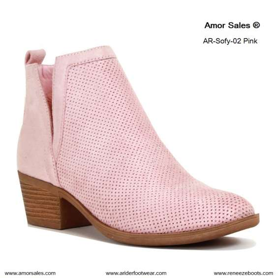 Venta por mayoreo de zapatos y botas para mujer