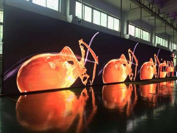 Fotos de Publicidad exterior en pantallas gigantes de leds tricolor 5