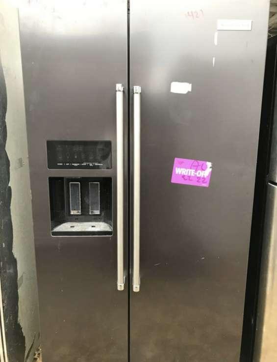 Refriguerador de dos puertas kitchenaid