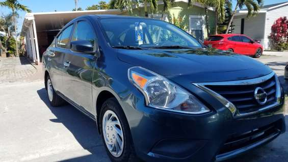 Nissan versa 16 impecable !!