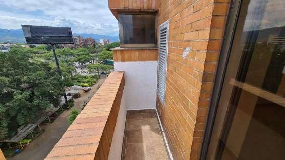 Corredores balcon en los 4 lados