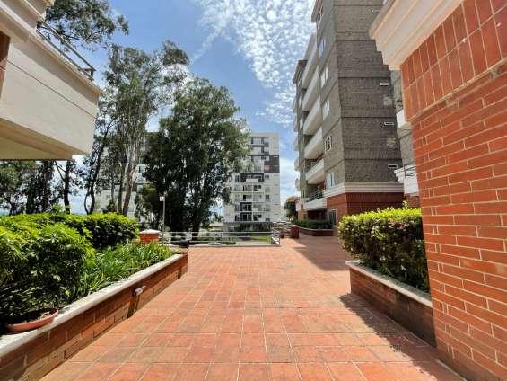 Rento apartamento en zona 7 jardines de la floresta